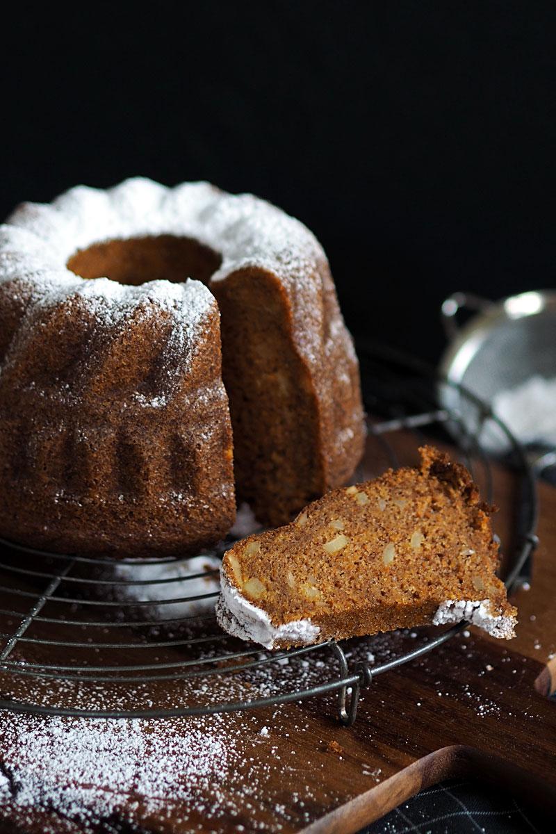 Tschüss Ostern, hallo Weihnachten – Anti-Schubladen-Möhrenkuchen in der winterlichen Gewürz-Variante