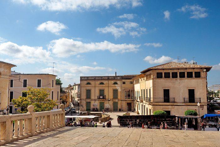 Markttag in Felanitx im Osten von Mallorca